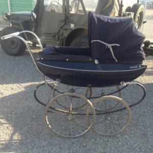 """Ancien landau vintage pour bébé """"VALIANT"""""""